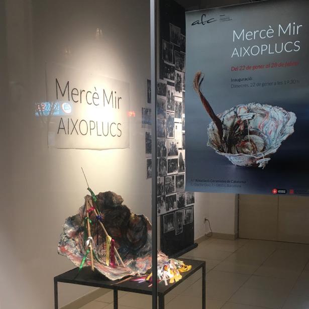 """Inauguració De L'exposició """"Aixoplucs"""" De Mercè Mir"""